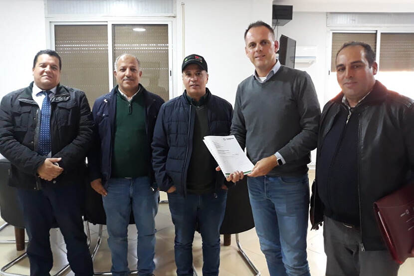 Ondertekening contract in El Hajeb