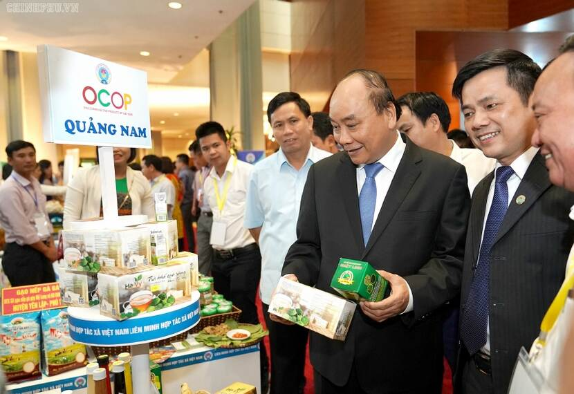 PM Phuc at Cooperative conference