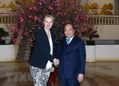 Minister Sigrid Kaap in courtersy meeting with Prime Minister Nguyen Xuan Phuc